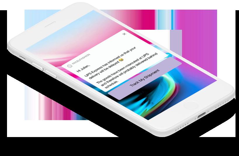 Smartphone z wiadomością nt statusu przesyłki